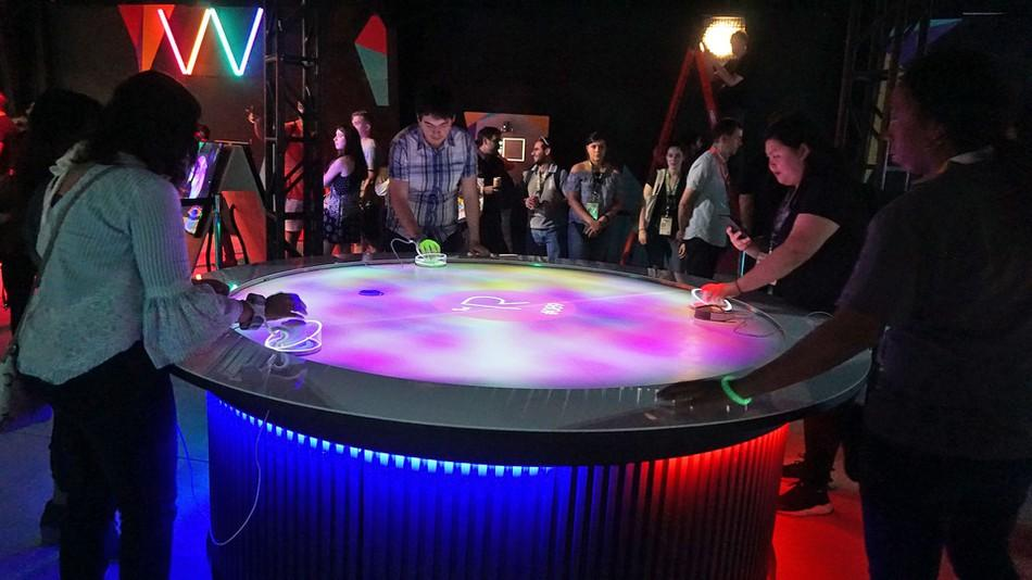 This Week's Tech and Mobile News: Air Hockey, Glass Phones and Flying Taxis